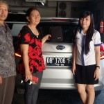 Foto Penyerahan Unit 3 Sales Datsun Manado Atau Marketing Mobil Dealer Datsun Manado Lia Maidangkay