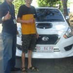 Foto Penyerahan Unit 3 Sales Marketing Mobil Dealer Datsun Palopo