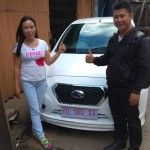 Foto Penyerahan Unit 3 Sales Marketing Mobil Dealer Datsun Pontianak Hendro