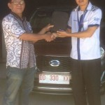 Foto Penyerahan Unit 4 Sales Marketing Mobil Dealer Datsun Palopo