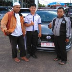 Foto Penyerahan Unit 4 Sales Marketing Mobil Dealer Datsun Pontianak Hendro