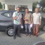 Foto Penyerahan Unit 5 Sales Marketing Mobil Daihatsu Medi