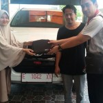 Foto Penyerahan Unit 5 Sales Marketing Mobil Dealer Toyota Indramayu Ryan