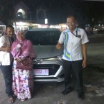Foto Penyerahan Unit 6 Sales Marketing Mobil Daihatsu Medi