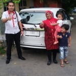 Foto Penyerahan Unit 8 Sales Marketing Mobil Dealer Toyota Indramayu Ryan