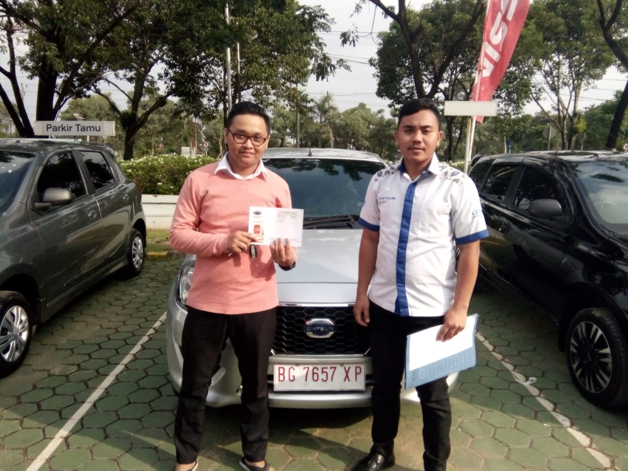 Sales Marketing Mobil Dealer Datsun Roby