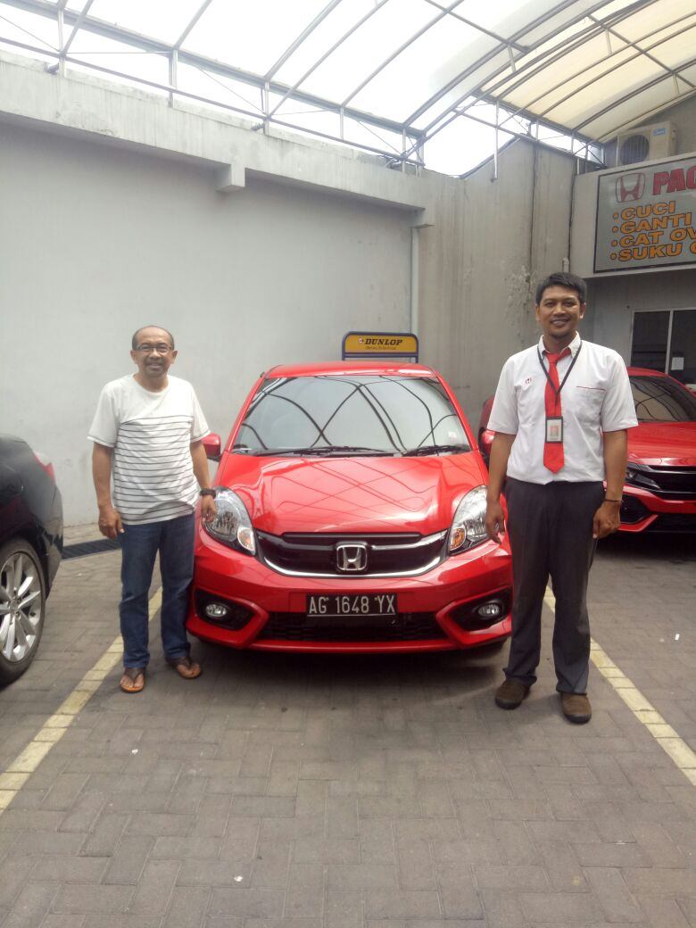 Sales Marketing Mobil Dealer Honda Arif