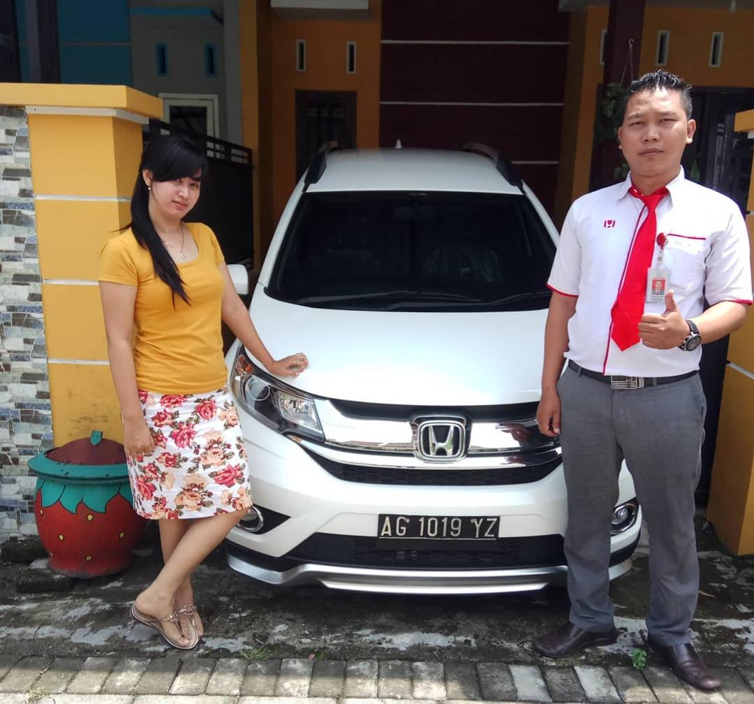 Sales Marketing Mobil Honda Satria