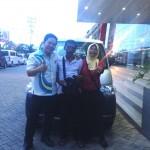 foto-penyerahan-mobil-4-sales-marketing-mobil-dealer-daihatsu-pontianak-rudy-wong