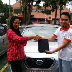 Foto Penyerahan Unit 1 Sales Marketing Mobil Dealer Datsun Bantul Andres