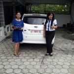 Foto Penyerahan Unit 1 Sales Marketing Mobil Dealer Datsun ELLEN
