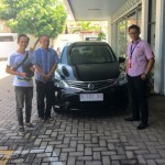 Foto Penyerahan Unit 1 Sales Marketing Nissan Datsun Probolinggo Tomy