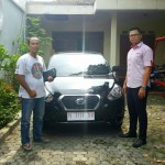 Foto Penyerahan Unit 10 Sales Marketing Nissan Datsun Probolinggo Tomy