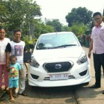 Foto Penyerahan Unit 11 Sales Marketing Nissan Datsun Probolinggo Tomy