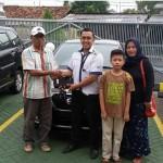Foto Penyerahan Unit 13 Sales Marketing Mobil Dealer Datsun Purwakarta Yosi