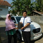 Foto Penyerahan Unit 13 Sales Marketing Mobil Dealer Datsun Purwokerto Erdi