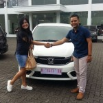 Foto Penyerahan Unit 15 Sales Marketing Mobil Dealer Honda Rizza