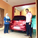 Foto Penyerahan Unit 16 Sales Marketing Nissan Datsun Probolinggo Tomy