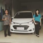 Foto Penyerahan Unit 2 Sales Marketing Mobil Dealer Daihatsu Bansir