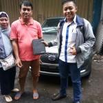 Foto Penyerahan Unit 2 Sales Marketing Mobil Dealer datsun Fajar