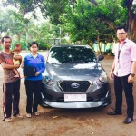 Foto Penyerahan Unit 2 Sales Marketing Nissan Datsun Probolinggo Tomy