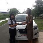 Foto Penyerahan Unit 3 Sales Marketing Mobil Dealer Datsun ELLEN