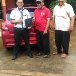 Foto Penyerahan Unit 3 Sales Marketing Mobil Dealer Datsun Purwakarta Yosi