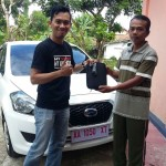 Foto Penyerahan Unit 3 Sales Marketing Mobil Dealer Datsun Purworejo Andres