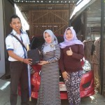Foto Penyerahan Unit 3 Sales Marketing Mobil Dealer Datsun Tegal Heri