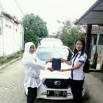 Foto Penyerahan Unit 3 Sales Markting Mobil Dealer Datsun Jakarta Barat Ratna
