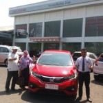 Foto Penyerahan Unit 4 Sales Marketing Mobil Dealer Honda Rizza