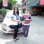 Foto Penyerahan Unit 4 Sales Markting Mobil Dealer Datsun Jakarta Barat Ratna