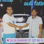 Foto Penyerahan Unit 5 Sales Marketing Mobil Dealer Daihatsu Auli