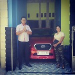 Foto Penyerahan Unit 5 Sales Marketing Nissan Datsun Probolinggo Tomy