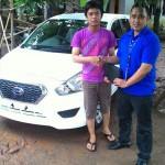 Foto Penyerahan Unit 7 Sales Marketing Mobil Dealer Datsun Purwakarta Yosi
