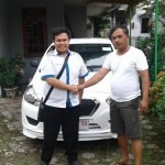 Foto Penyerahan Unit 7 Sales Marketing Mobil Dealer Datsun Purwokerto Erdi