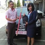 Foto Penyerahan Unit 7 Sales Marketing Mobil Dealer Datsun Tegal Heri