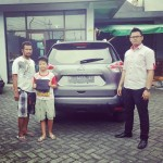 Foto Penyerahan Unit 7 Sales Marketing Nissan Datsun Probolinggo Tomy