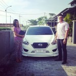 Foto Penyerahan Unit 9 Sales Marketing Nissan Datsun Probolinggo Tomy