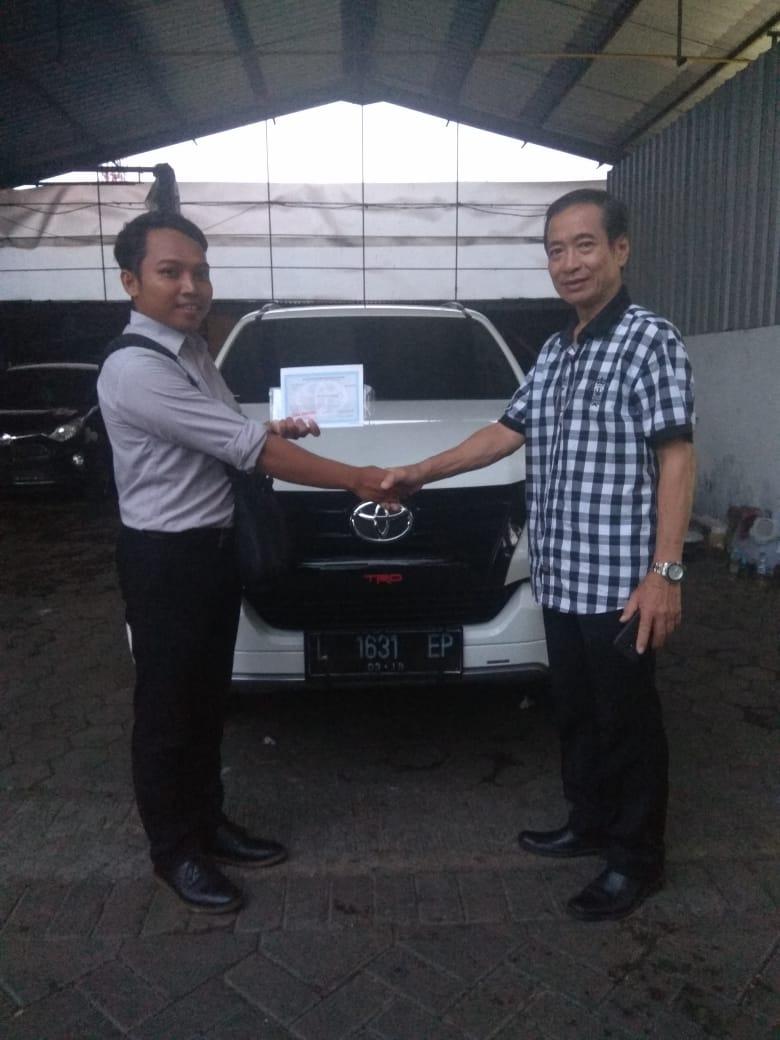 Sales Marketing Mobil Dealer Toyota Kupang Heru