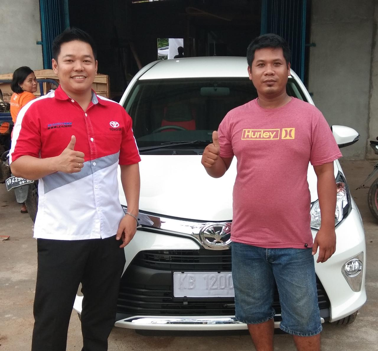 Sales Marketing Mobil Dealer Toyota Rudi