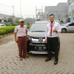 Foto Penyerahan Unit 5 Sales Marketing Mobil Dealer Honda Hafiz