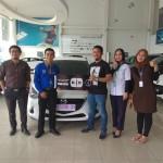 DO 2 Sales Marketing Mobil Dealer Mazda Riri