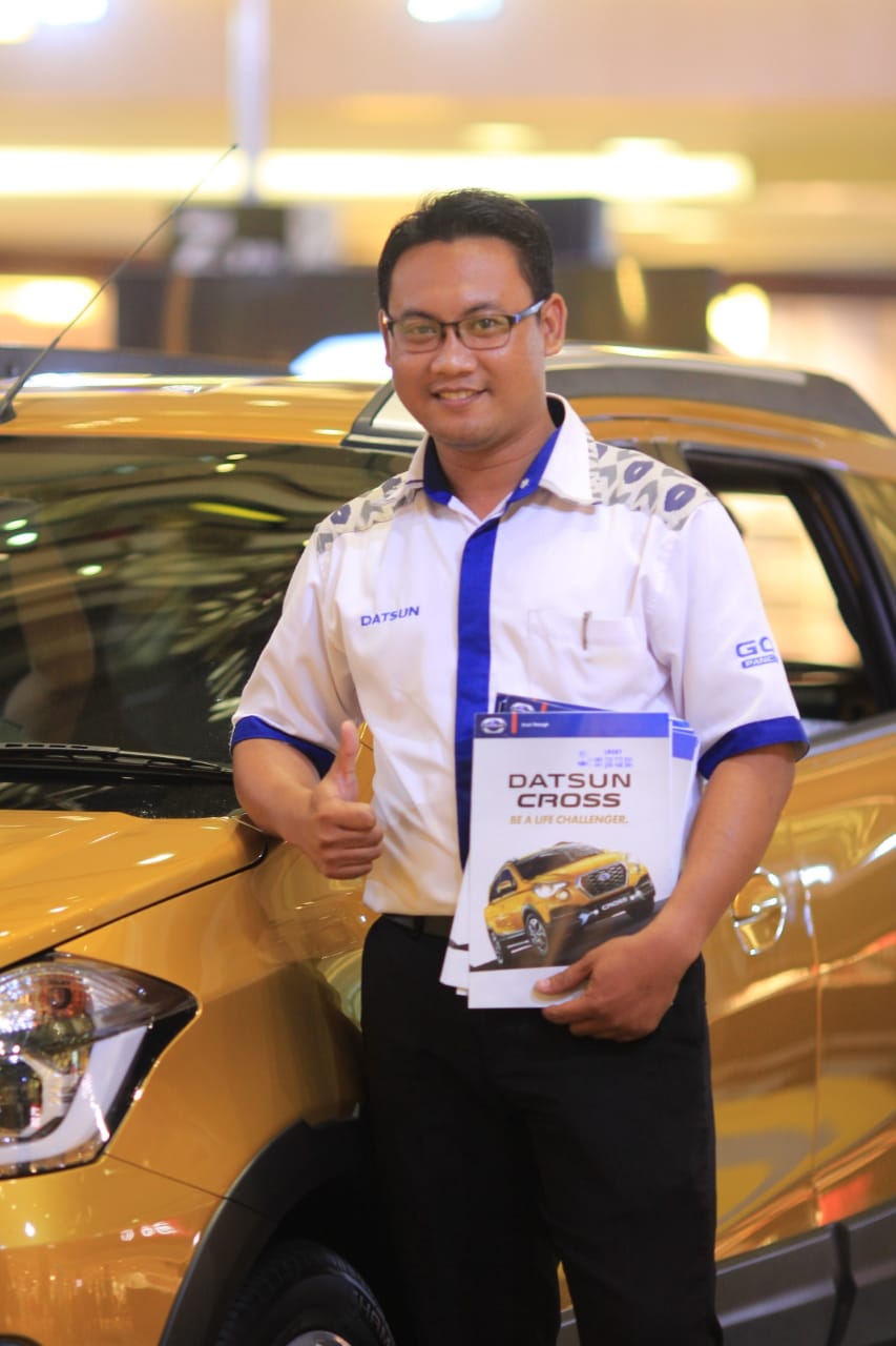 Sales Marketing Mobil Dealer Datsun Lucky