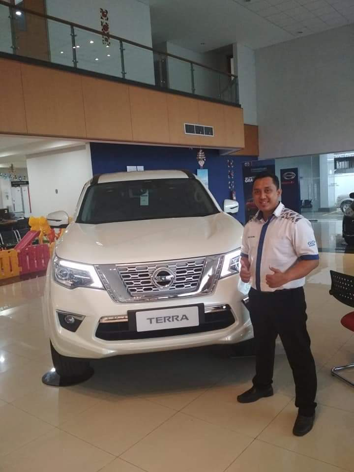 Sales Marketing Mobil Dealer Nissan Yosi