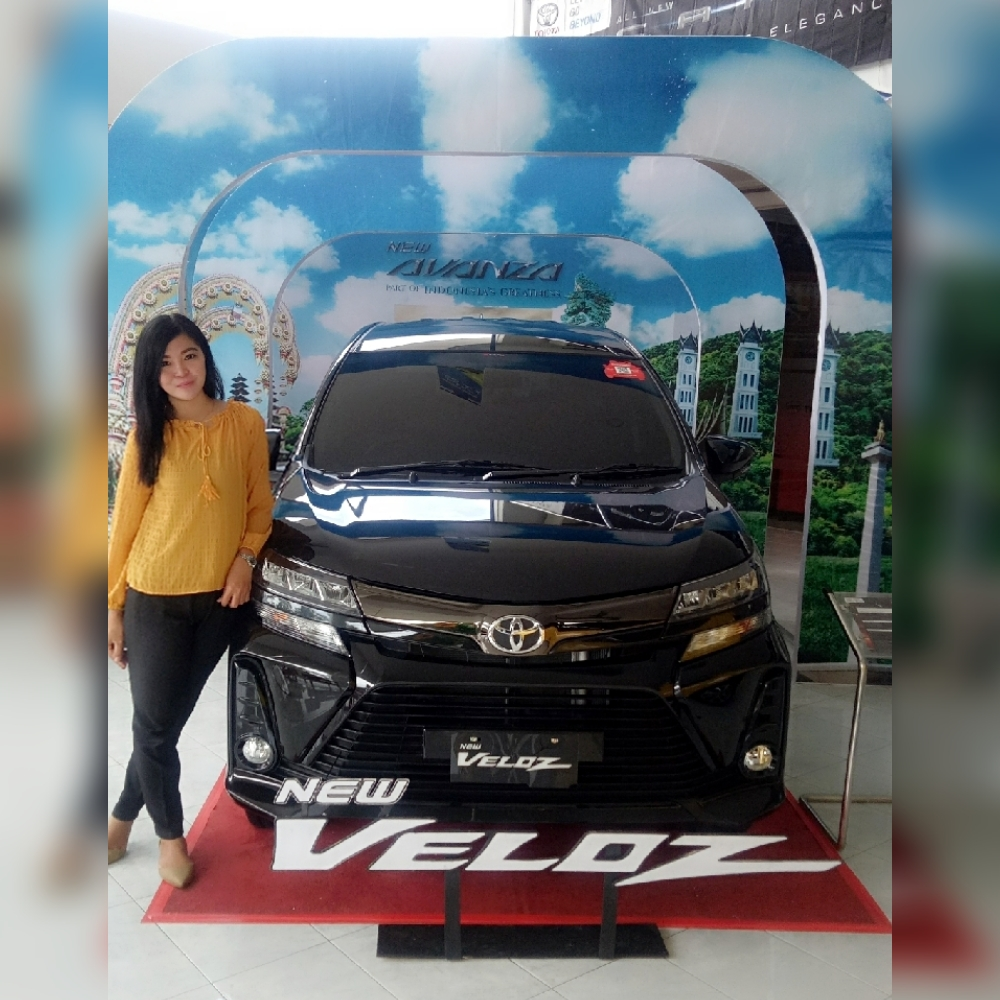 Sales Marketing Mobil Dealer Toyota Eka