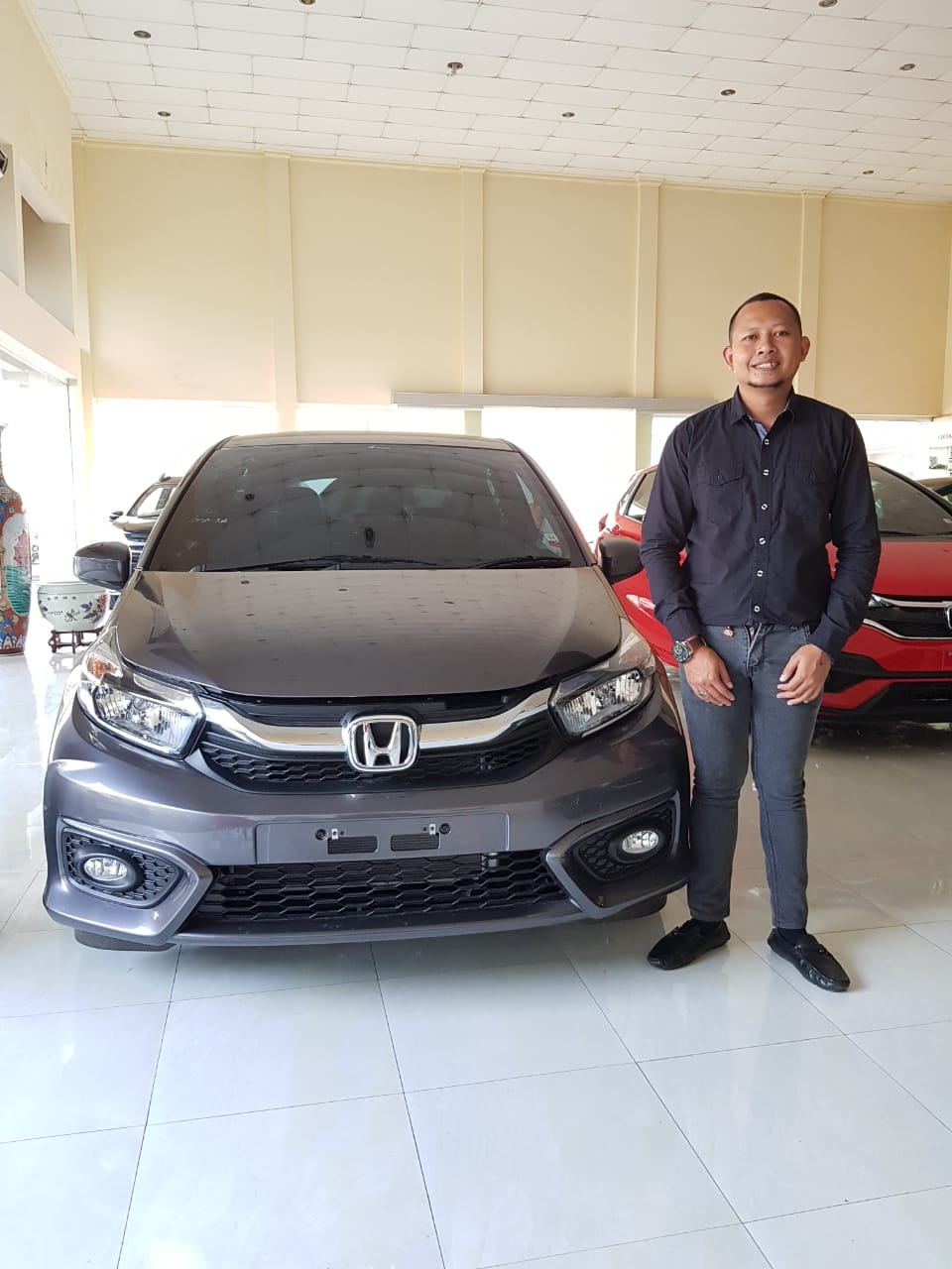 Sales Marketing Mobil Dealer Honda Sandi