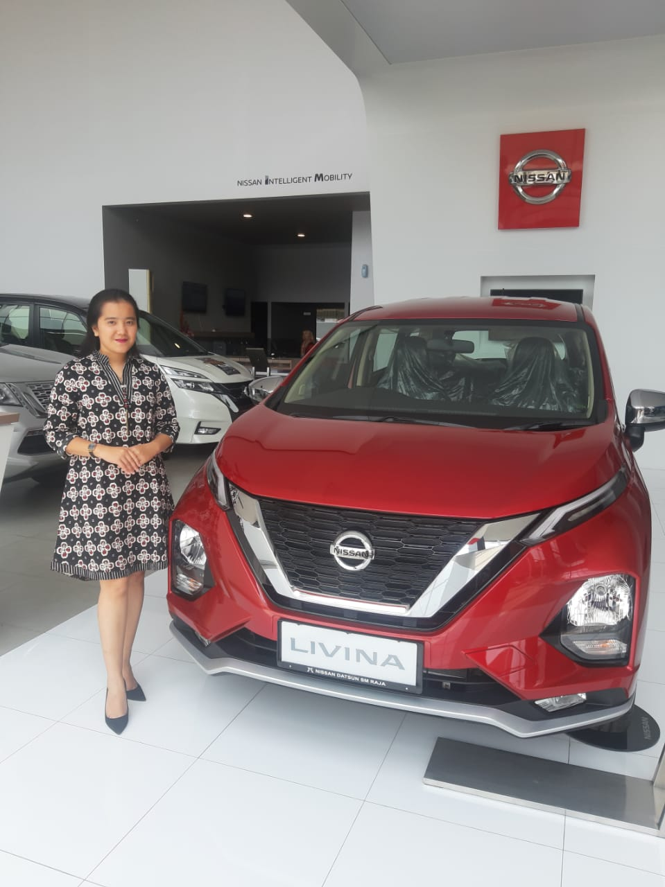 Sales Marketing Mobil Dealer Nissan Suji